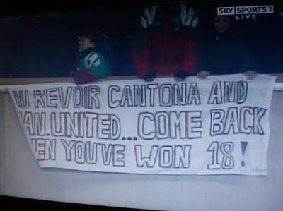 Pancarta que los aficionados del Liverpool dedicaron a Cantona