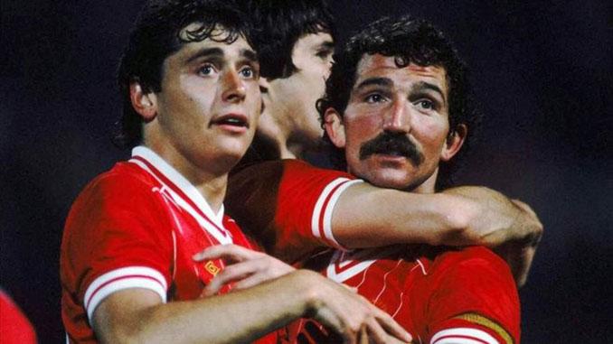Michael Robinson y Graeme Souness en el Liverpool FC - Odio Eterno Al Fútbol Moderno