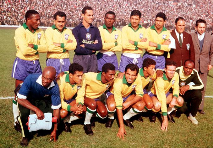 La selección brasileña viste la verdeamarela desde 1954