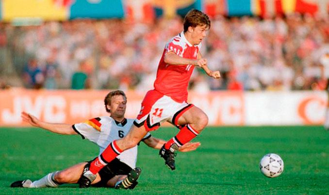 Brian Laudrup mostró su potencial en la Eurocopa 1992 - Odio Eterno Al Fútbol Moderno
