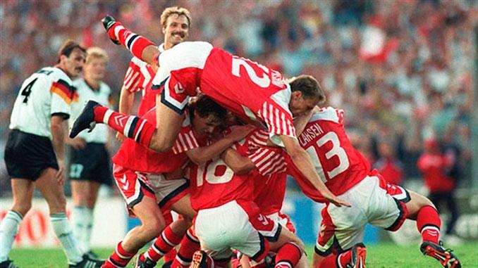 Celebración del gol de Vilfort en la final de la Eurocopa 1992 - Odio Eterno Al Fútbol Moderno