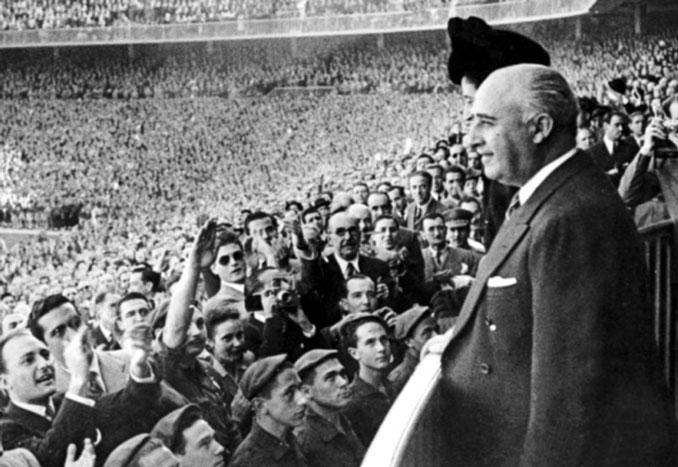 Franco en el palco del Santiago Bernabéu - Odio Eterno Al Fútbol Moderno