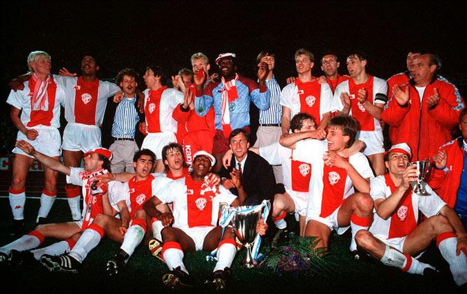 Van Basten marcó el gol de la victoria en la final de la Recopa de 1987 - Odio Eterno Al Fútbol Moderno