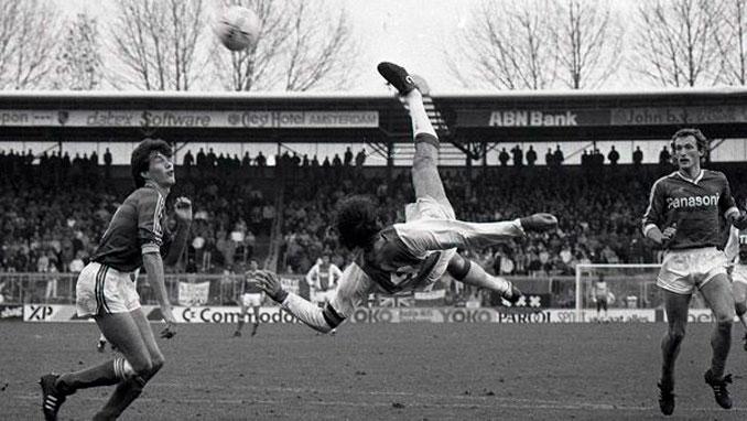 La plasticidad de Van Basten fue insólita - Odio Eterno Al Fútbol Moderno