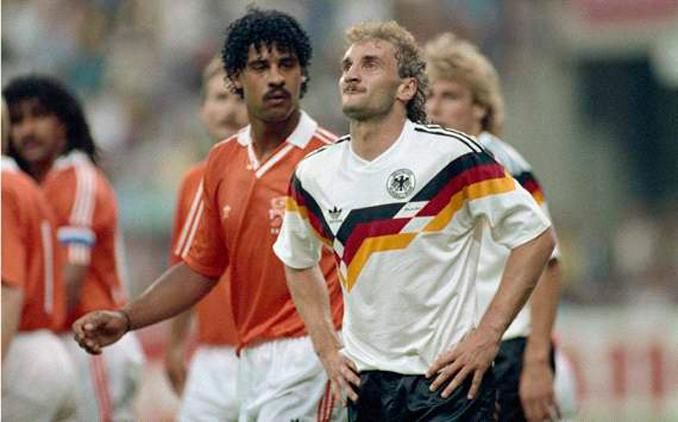Rijkaard y Völler las tuvieron tiesas en aquel encuentro mundialista