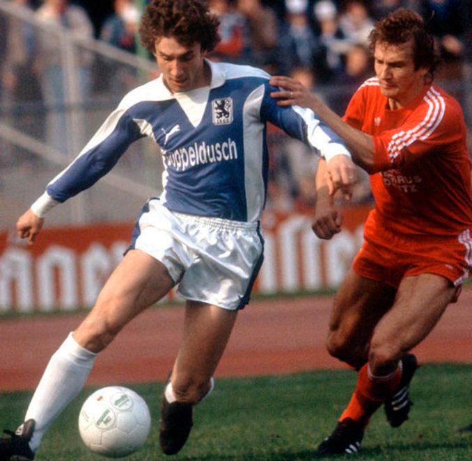 Rudi Völler jugó dos temporadas en el 1860 MunichRudi Völler jugó dos temporadas en el 1860 Munich
