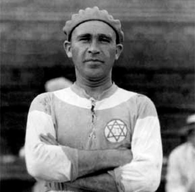 Bela Guttmann empezó su carrera como futbolista en 1919 - Odio Eterno Al Fútbol Moderno