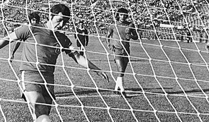 """""""Chamaco"""" Valdés marcó el único tanto de El Partido Fantasma - Odio Eterno Al Fútbol Moderno"""