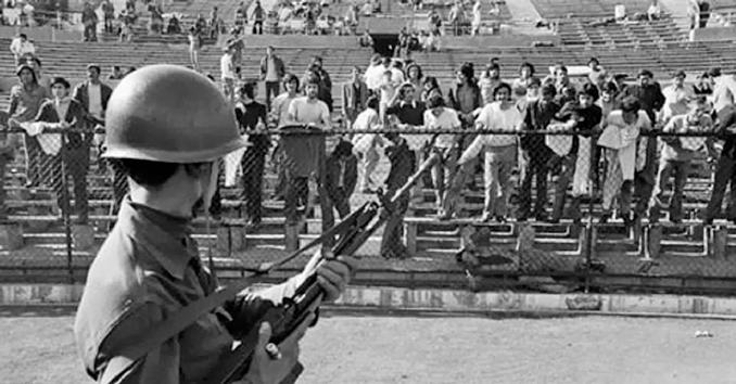 El Estadio Nacional estaba controlado por las fuerzas militares - Odio Eterno Al Fútbol Moderno