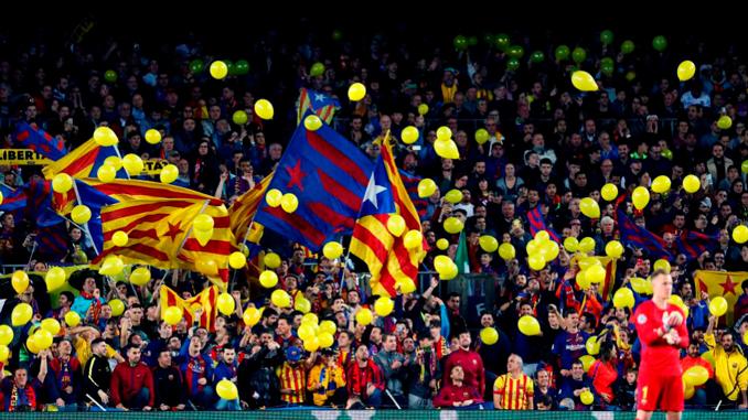 Los lazos amarillos han aflorado en el Camp Nou pidiendo la liberad de los presos - Odio Eterno Al Fútbol Moderno