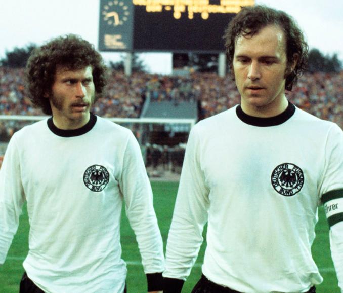Breitner y Beckenbauer en la final del Mundial '74 - Odio Eterno Al Fútbol Moderno
