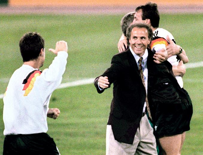 Franz Beckenbauer ganó el Mundial como jugador y como entrenador - Odio Eterno Al Fútbol Moderno