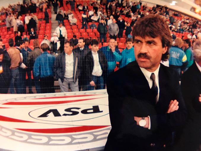 El PSV Eindhoven de Hiddink iba pasando ronda a ronda sin hacer mucho ruido - Odio Eterno Al Fútbol Moderno