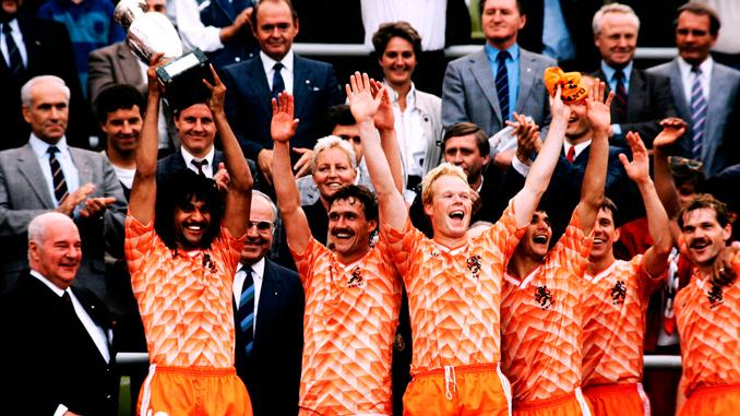 La selección holandesa por fin lograba un título internacional en 1988 - Odio Eterno Al Fútbol Moderno