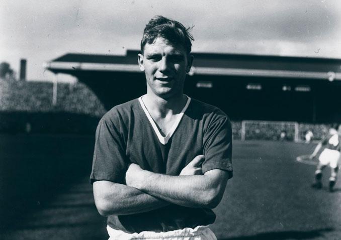 Con apenas 16 años Duncan Edwards debutó en el Manchester United