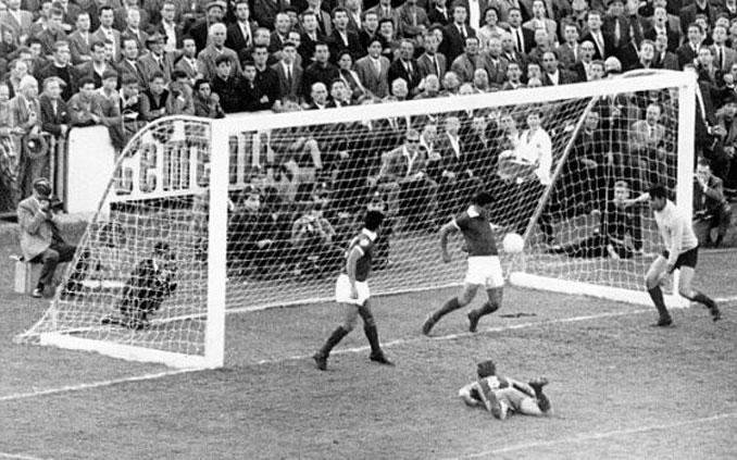 """El FC Barcelona perdió en 1961 la conocida como """"final de los postes cuadrados"""""""