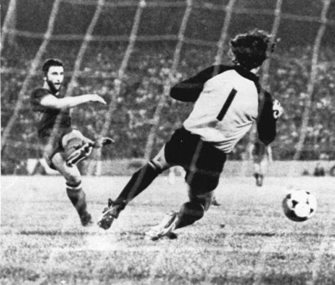 Krankl marcó el 4-2 en la final de la Recopa de Europa de 1979