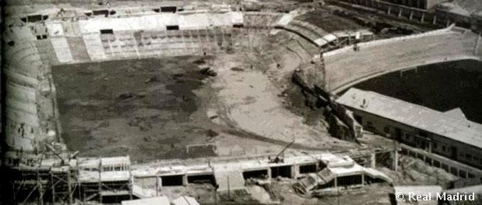 El estadio Santiago Bernabéu durante su construcción