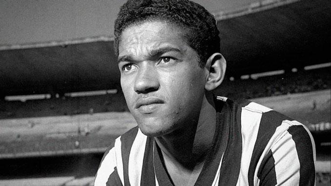 Garrincha con la camiseta del Botafogo, el club de su vida