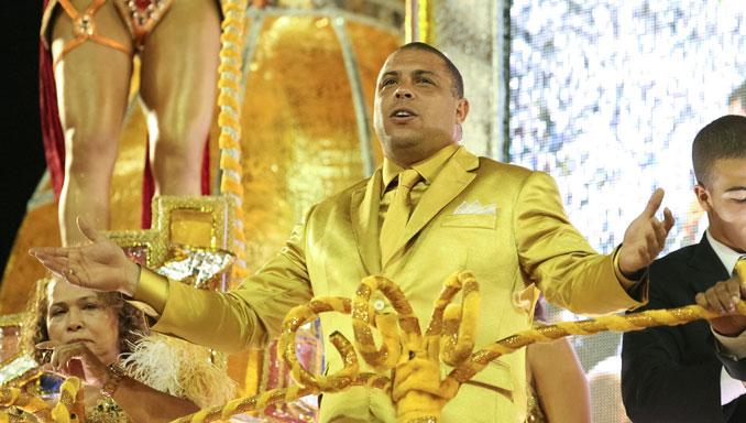 Ronaldo Nazario en el carnaval de Rio de Janeiro - Odio Eterno Al Fútbol Moderno
