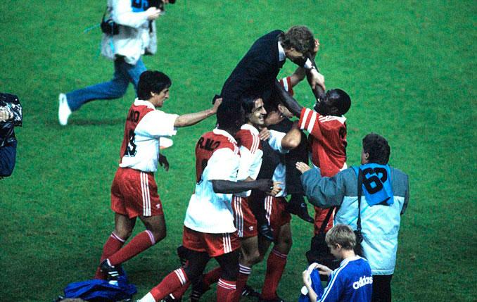 El Mónaco durante la celebración de la Copa de Francia 1991 - Odio Eterno Al Fútbol Moderno
