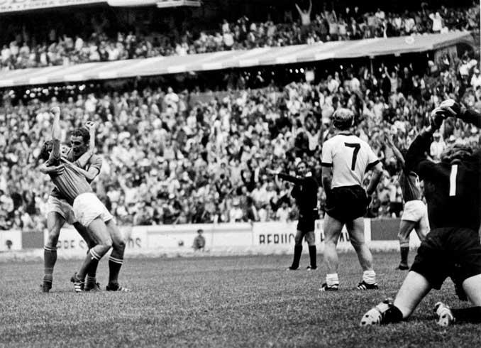 Gianni Rivera marcó el gol definitivo en El Partido del Siglo