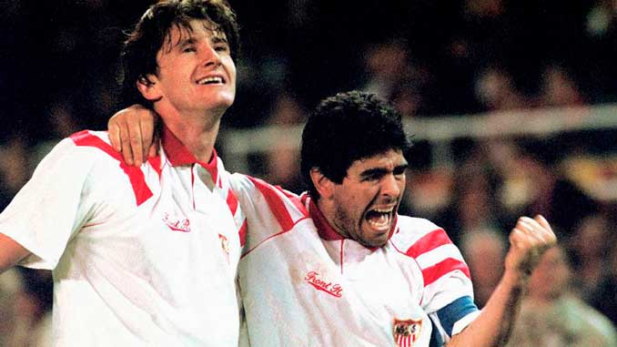 Davor Suker junto a Maradona durante su etapa en el Sevilla - Odio Eterno Al Fútbol Moderno