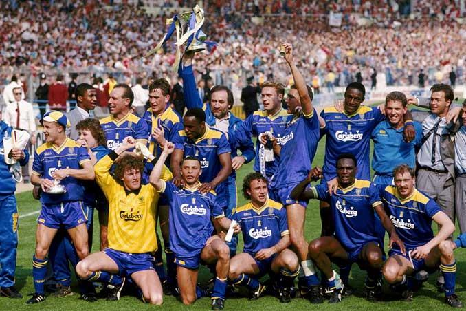 Celebración del Wimbledon FC tras la final de la FA Cup 87-88