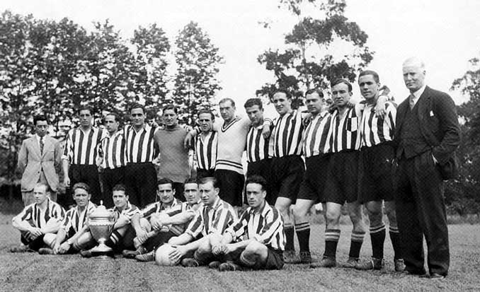 Athletic Club con su indumentaria habitual - Odio Eterno Al Fútbol Moderno