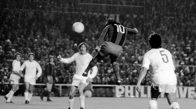 Asensi marcó dos goles en El Clásico de 1974 - Odio Eterno Al Fútbol Moderno
