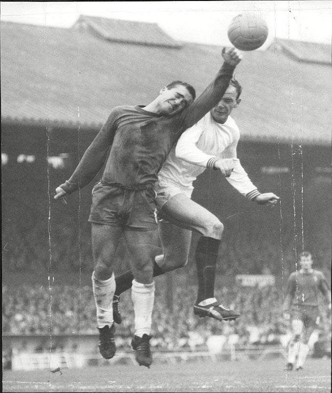 El Burnley le endosó un severo correctivo al Manchester United en 1963 - Odio Eterno Al Fútbol Moderno