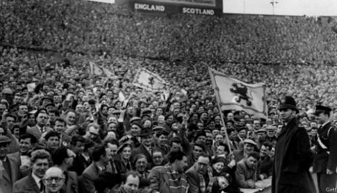 """Hampden Park llenó hasta la bandera para presenciar el """"Auld Enemies"""" - Odio Eterno Al Fútbol Moderno"""