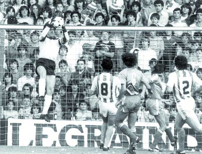 Arconada fue el mejor de los txuri-urdin aquella tarde en Sevilla - Odio Eterno Al Fútbol Moderno