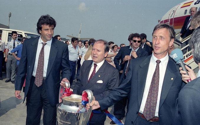 Nuñez junto a Cruyff con la Copa de Europa 1992