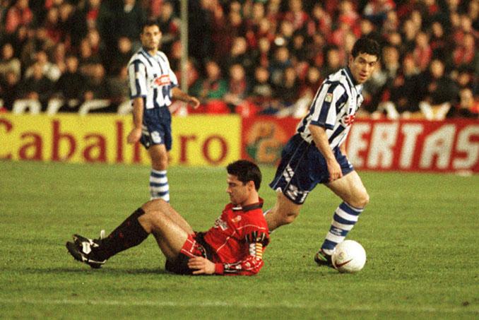 Duelo copero entre RCD Mallorca y Deportivo Alavés en la temporada 97-98 - Odio Eterno Al Fútbol Moderno