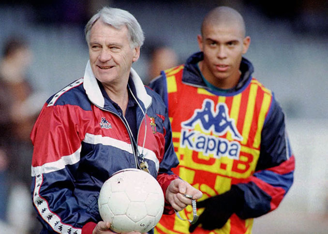 Bobby Robson junto a Ronaldo en su etapa en Can Barça