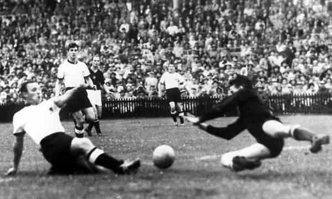 Max Morlock marcó el primer gol alemán en la final - Odio Eterno Al Fútbol Moderno