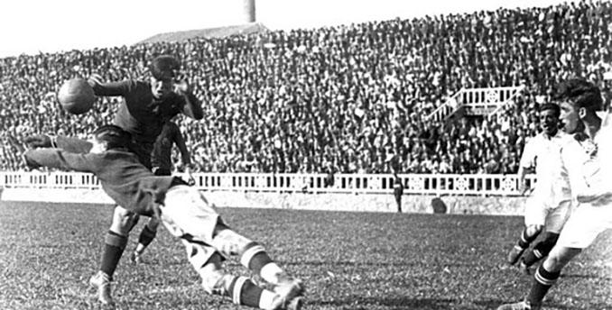 Primer Clásico de la Liga disputado en 1929 - Odio Eterno Al Fútbol Moderno