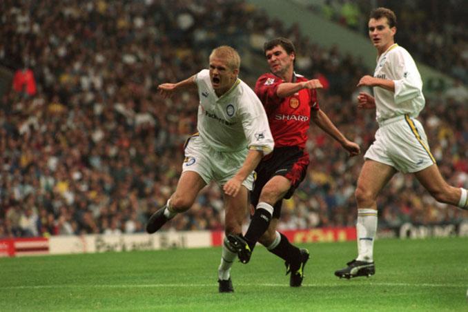 Haaland y Keane durante el Leeds vs M. United de 1997 - Odio Eterno Al Fútbol Moderno