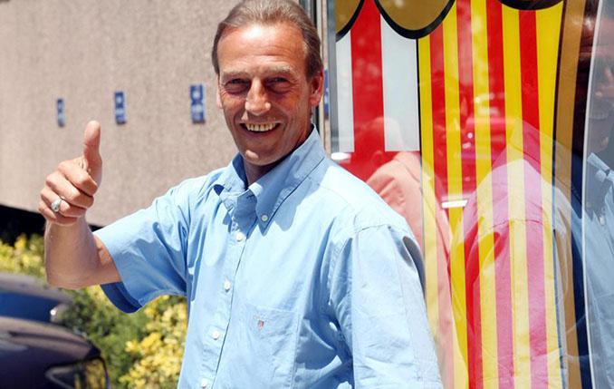 Neeskens regresó a Can Barça en 2003 como segundo de Frank Rijkaard - Odio Eterno Al Fútbol Moderno