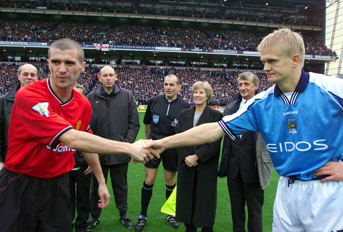 Saludo entre Keane y Haaland en un derbi de Manchester - Odio Eterno Al Fútbol Moderno
