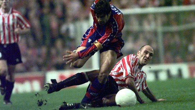 Roberto Ríos con en un partido con el Athletic Club - Odio Eterno Al Fútbol Moderno