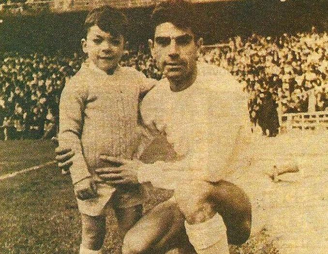 Manolo Sanchís padre junto a un joven Manolo Sanchís hijo - Odio Eterno Al Fútbol Moderno