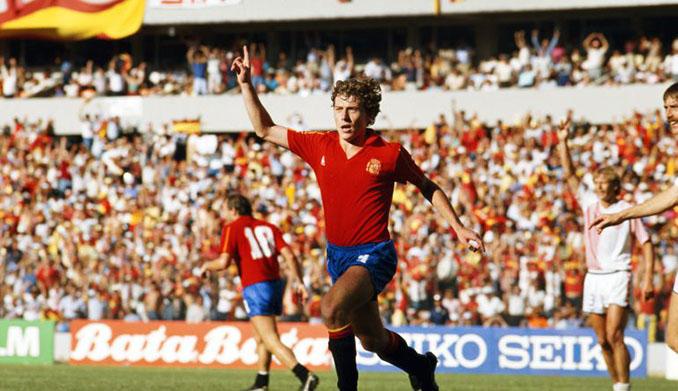 Emilio Butragueño celebrando un gol en el España vs Dinamarca de 1986 - Odio Eterno Al Fútbol Moderno