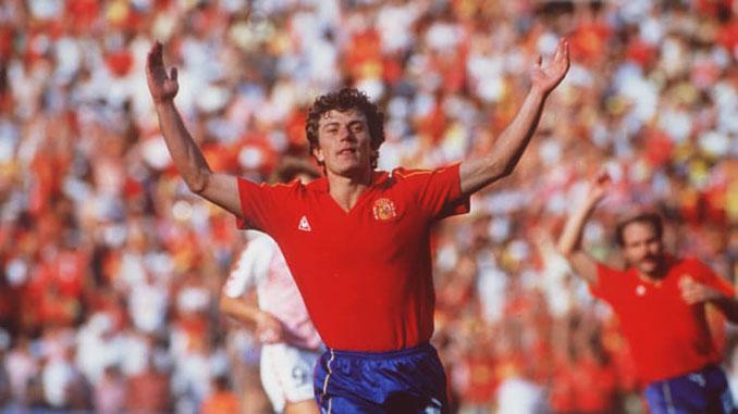 Butragueño celebrando uno de sus 4 goles en el España vs Dinamarca de 1986 - Odio Eterno Al Fútbol Moderno