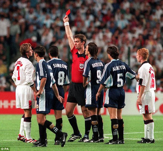 Aquella expulsión puso a Beckham contra las cuerdas en su país - Odio Eterno Al Fútbol Moderno