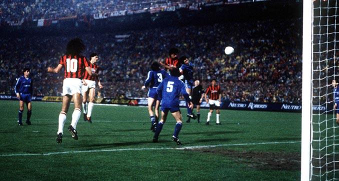 Uno de los goles del duelo AC Milan vs Real Madrid de 1989 - Odio Eterno Al Fútbol Moderno