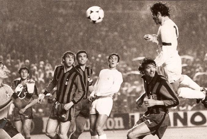 Santillana marcó dos goles en aquel duelo de semifinales contra el Inter - Odio Eterno Al Fútbol Moderno