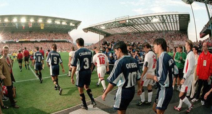Argentina e Inglaterra se enfrentaron en los octavos de final del Mundial 1998 - Odio Eterno Al Fútbol Moderno