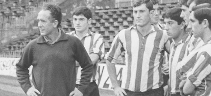 Rafael Iriondo durante su etapa como entrenador del Athletic Club - Odio Eterno Al Fútbol Moderno
